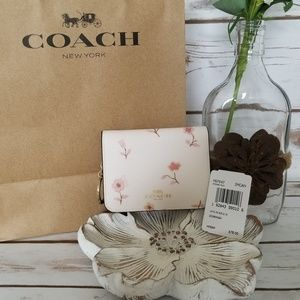 NWT   Coach Vintage Prairie Floral Bifold Wallet
